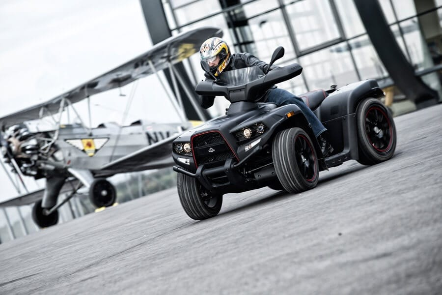 Herkules Quadrift am Flughafen, Black Optik, Quad Design